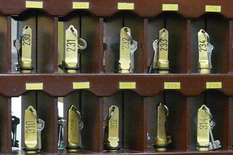 Hotelschlüssel (c) pixabay_hans